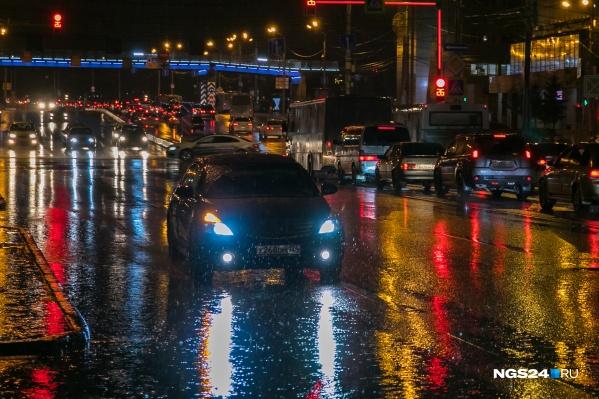 Дождь шел весь вечер и всю ночь