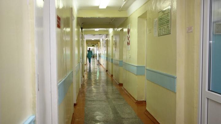 В Нововаршавской ЦРБ на работе скончался врач-анестезиолог