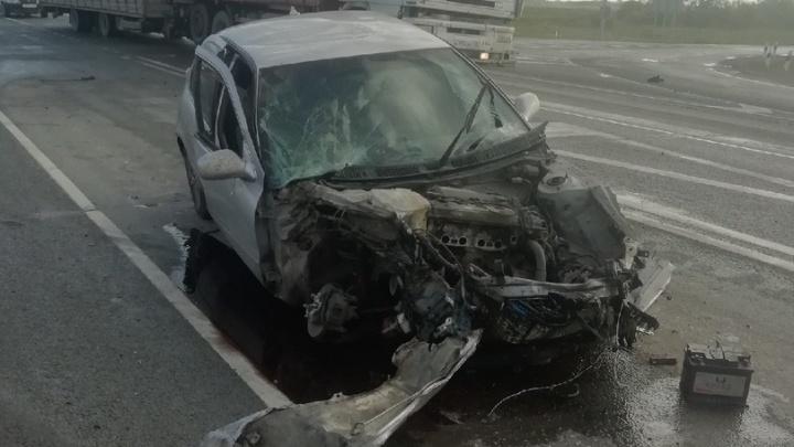 Под Новосибирском произошла массовая авария— столкнулись три «Тойоты»
