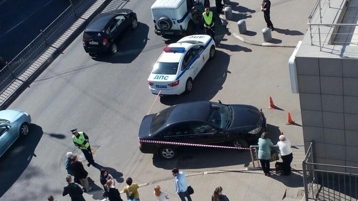 «Здание заминировано»: в Ярославле эвакуировали посетителей торгового центра