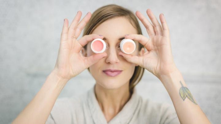 Консервант не пройдет: 11 мифов, которые заставят вас по-новому взглянуть на свое лицо и косметичку