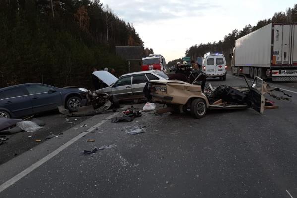 Погибший водитель, по данным ГИБДД, вылетел на встречку и столкнулся с грузовиком