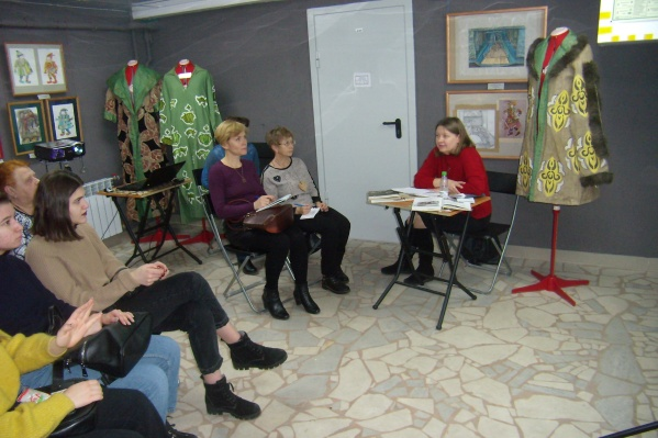 Лекция об истории Сталинградского драмтеатра прошла в выставочном зале музея Машкова