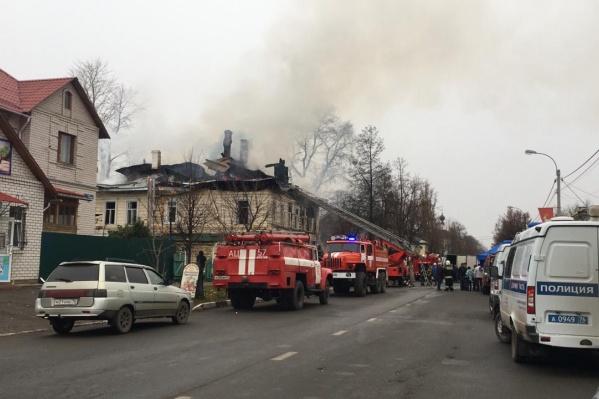 Дом горел несколько часов