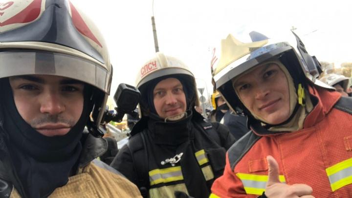 Свердловские спасатели в Питере залезли на 39-й этаж небоскреба с 30 килограммами снаряжения