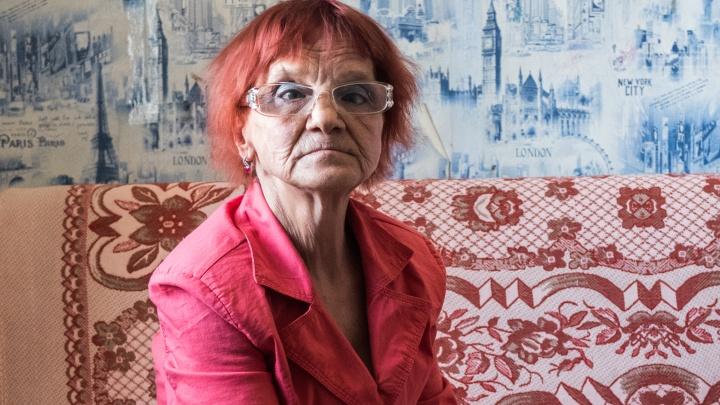 «Теперь я почти бомж»: история сибирячки, жизнь которой превратилась в ад после смерти родственников