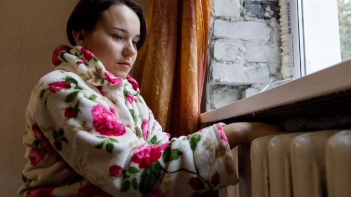 «Слесарь будет всё устранять»: в Волгограде 30 квартир трёхэтажки двое суток мёрзнут без отопления