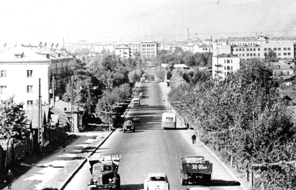 Вид улицы Белинского. Снимок сделан от улицы Фрунзе в направлении к Малышева