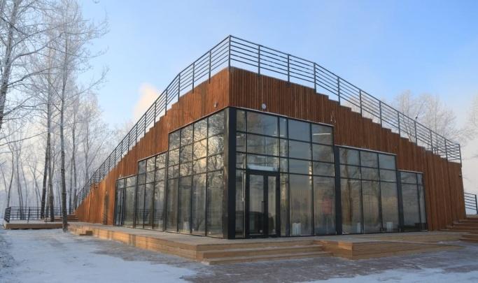 Территорию вокруг визит-центра на о. Татышев обещают разбавить ледовыми дорожками и веревочным городком