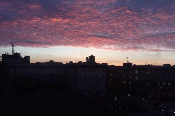 Красивый рассвет начался около 7:30
