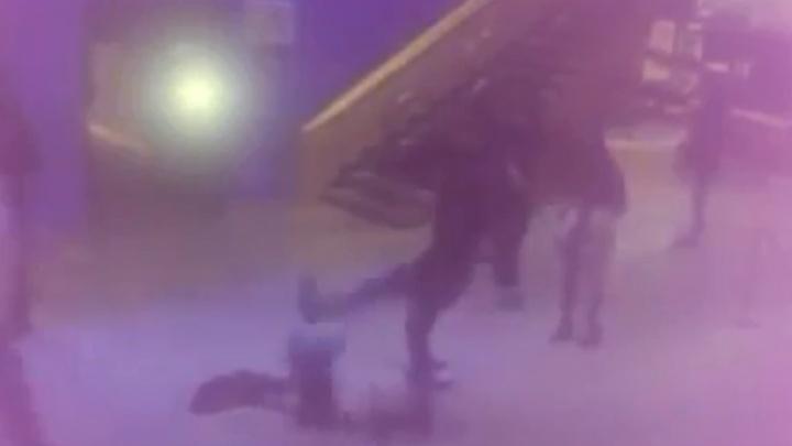 Пытался вернуть возлюбленную: в уфимском «Мегаполисе» мужчина избил подругу своей девушки