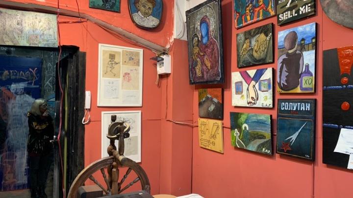 Художники из Екатеринбурга открыли галерею в Питере вкорпусах бывшего завода