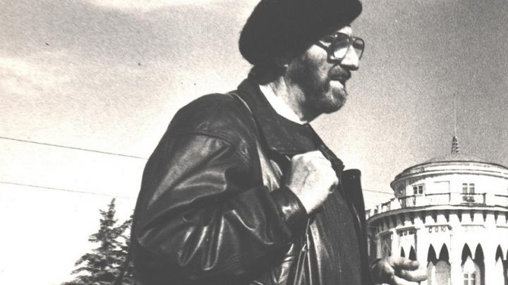 В Екатеринбурге покажут шаржи на Виталия Воловича: художник использовал их вместо автографов