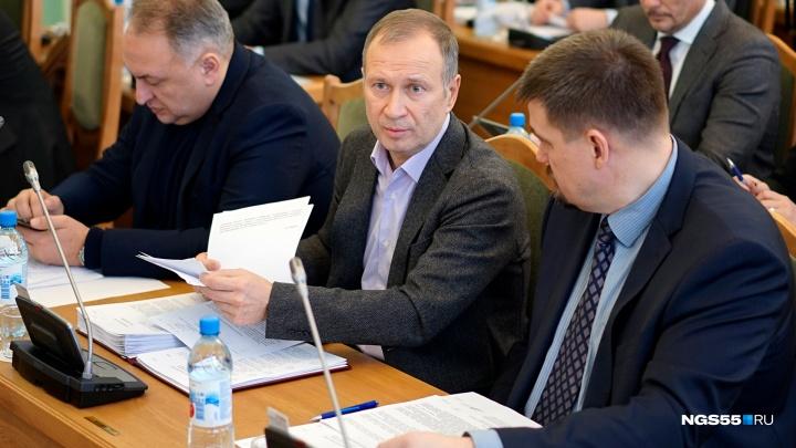 Самый высокий доход среди омских депутатов получил Юрий Федотов — 44 миллиона рублей