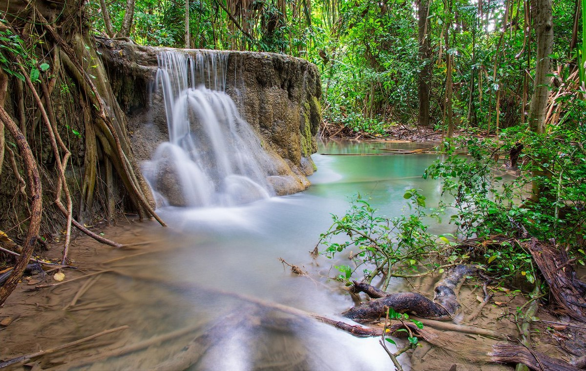 В Таиланде много водопадов