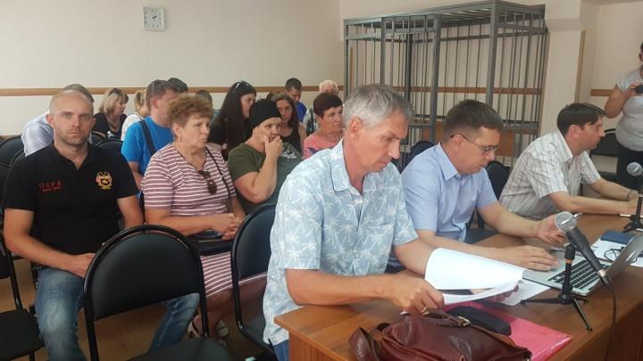 Мама не пришла: в Волгограде перенесли суд над лодочником за гибель катамарана: онлайн-трансляция