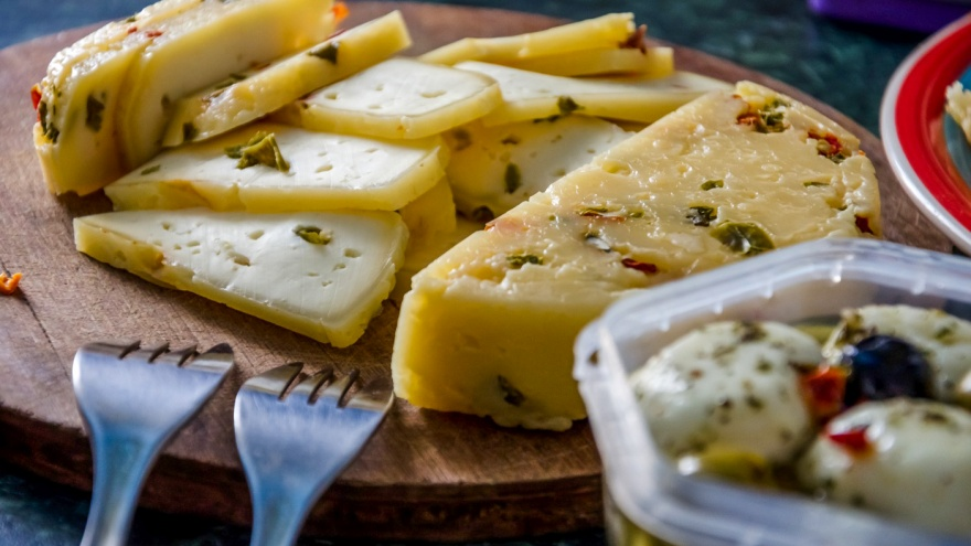 Каждому — по голове! 12 фактов о сыре, которые не оставят вас голодными