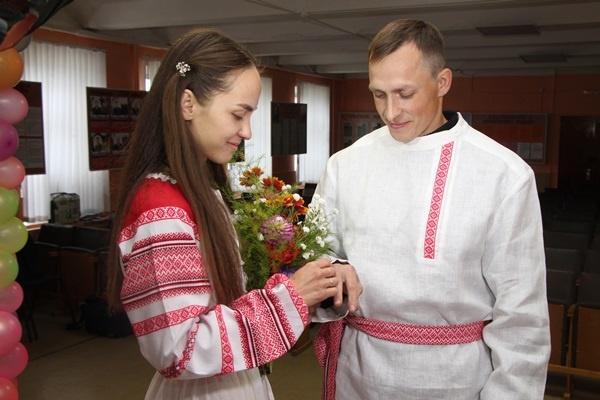 В колонии Рыбинска прошла свадьба в старорусских традициях. Фоторепортаж