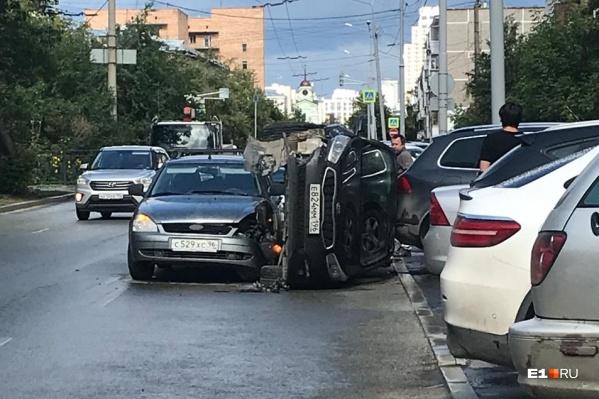 Очевидцы говорят, что KIA могла быть припаркована