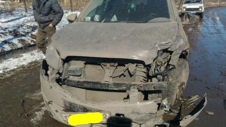 В столкновении Granta и Nissan под Уфой пострадал подросток