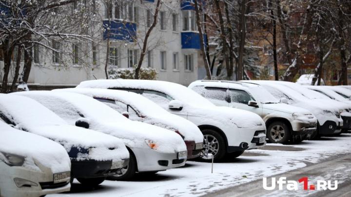 Из уфимских дворов эвакуируют брошенные машины