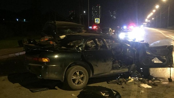 Две «Тойоты» столкнулись в Заельцовском районе: погибла девушка