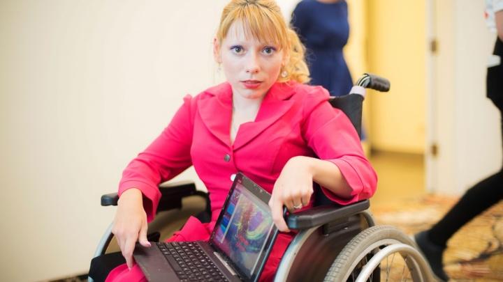 Сибирячка на инвалидном кресле решила открыть школу для русалок