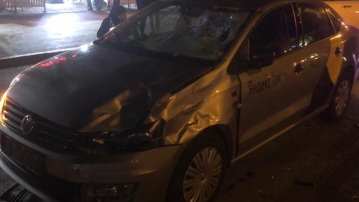 До смертельного ДТП девушки гуляли по городу с новыми знакомыми: подробности аварии на Герцена