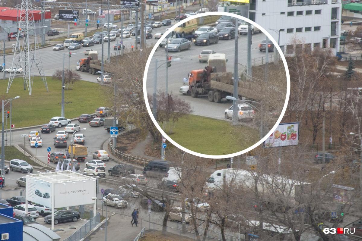 ДТП стало причиной пробки в районе кольца