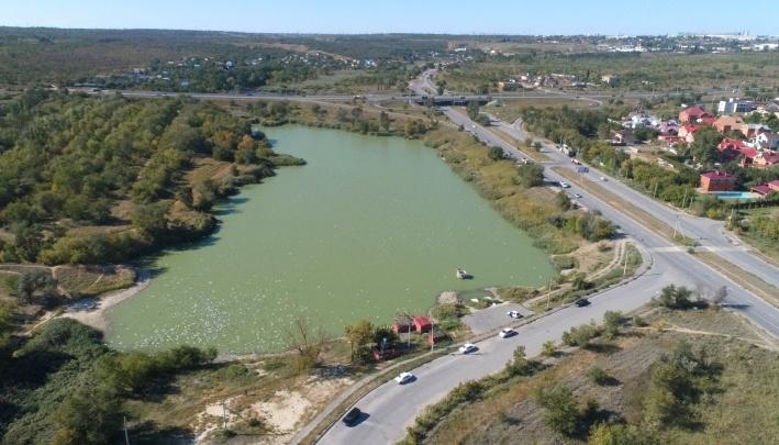 В Волгограде у Ангарского пруда наткнулись на мину