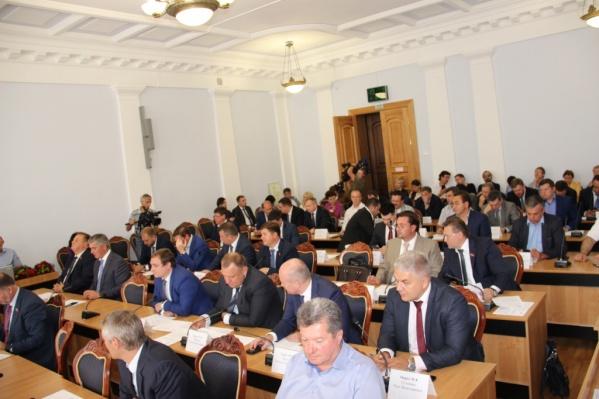 В гордуме считают, что уход депутатов не отразится на работе постоянных комиссий