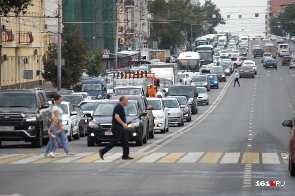 На некоторых улицах покрытие на дорогах должны успеть обновить к лету