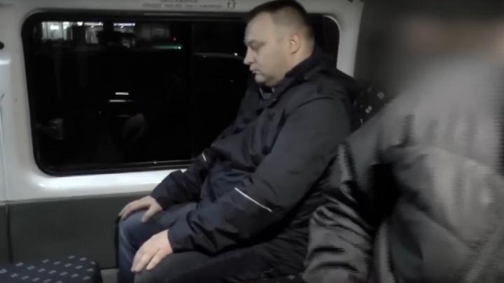 За молчание — 4 миллиона: сотрудника угрозыска Архангельска обвиняют в покровительстве проституткам