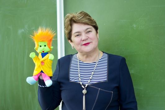 Анна Додонова преподаёт немецкий язык