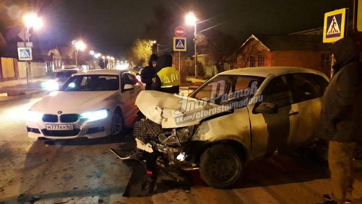 Ночью в Батайске случилось массовое ДТП с четырьмя автомобилями