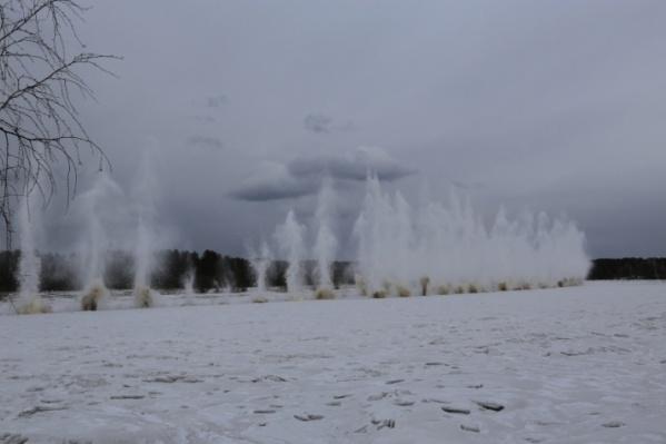 "По весне лёд на реке Кан <a href=""https://ngs24.ru/news/more/54266201/"" target=""_blank"" class=""_"">взрывают для предотвращения ледяных заторов</a>"