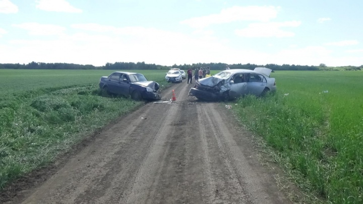 «Тойота Королла» влетела в «Ладу Приору» — пострадали четверо взрослых и шестилетний мальчик