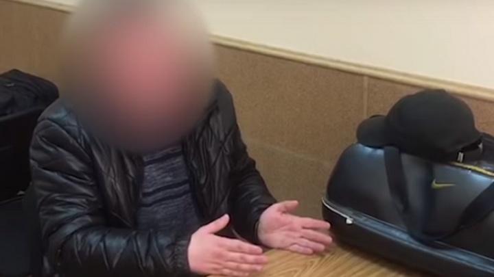 Бывших ростовских полицейских, скрывшихся на Украине, подозревают в 12 случаях подброса наркотиков