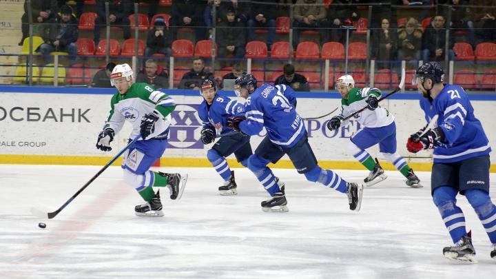 «Зауралье» уверенно победило «Торос» на домашнем льду