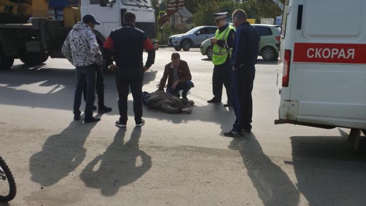 «Как он мог их не заметить?»: в садах под Челябинском BMW сбил пожилых супругов