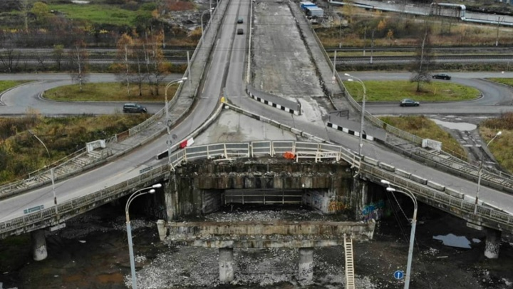 Половину разобрали. Как сейчас выглядит Добрынинский мост. Вид сверху