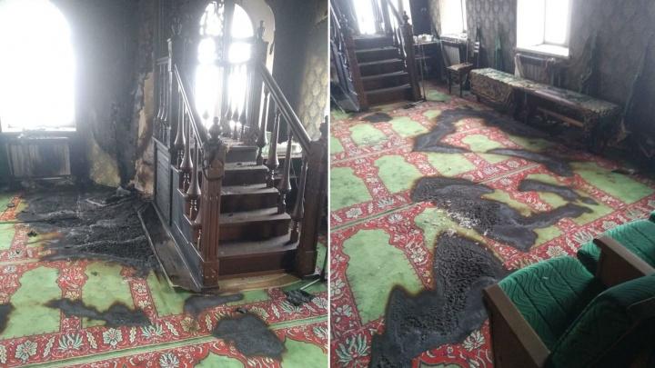 «Находится на отшибе, мимолетом не забредешь»: в Башкирии подожгли мечеть