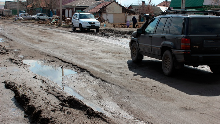 «Оснований, чтобы быть довольными, нет»: в правительстве отчитались за дорожный ремонт