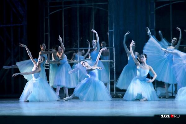 За 6 лет жители Ростова увидят этот спектакль 36 раз. В ноябре этого года балет уедет в турне за границу — во Францию и страны Бенелюкса