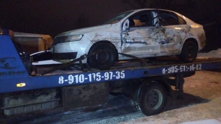 «Со мной такое впервые»: волгоградский таксист пробил «живой щит» под Владимиром