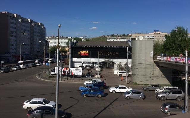 Здание бывшего кинотеатра «Космос» с ночным клубом и рестораном закрыто по решению суда