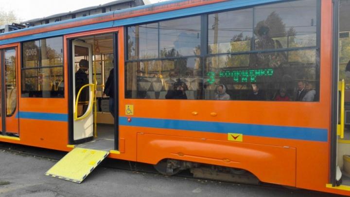Власти Челябинска закупят 100 автобусов и трамваев, оборудованных для инвалидов