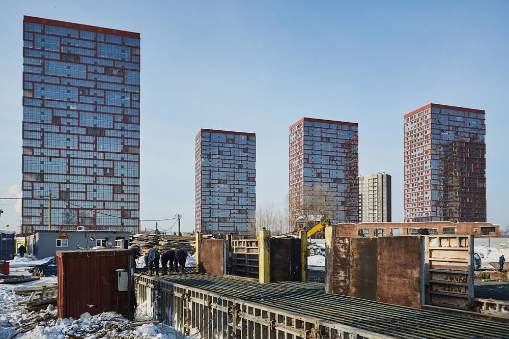В комплексе уже сдали четыре дома, три находятся на разных уровнях строительства