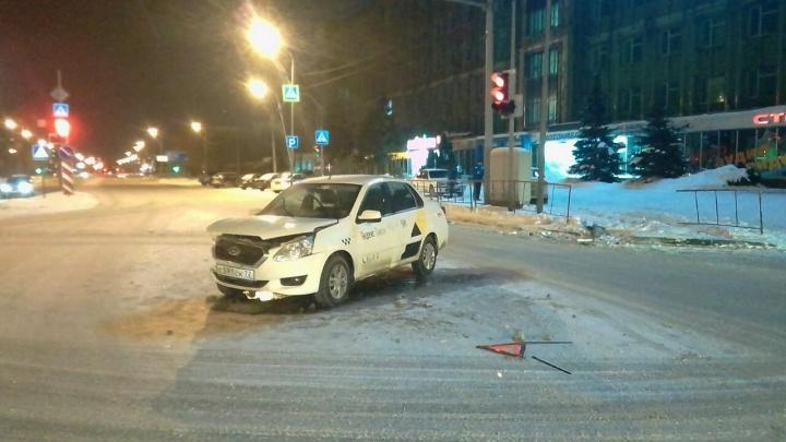 Не зря сбежал: тюменца, бросившего машину «Яндекс.Такси» после аварии, арестовали на 28 суток