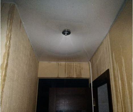 «Не имеем права вскрывать»: из-за аварии в Калининском районе несколько квартир остались без воды